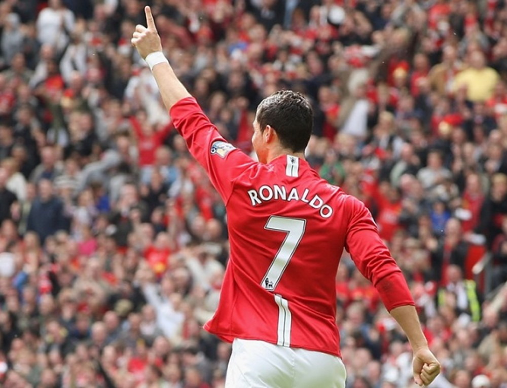 Prędzej Rooney wróci do formy, niż Ronaldo do United. A może na odwrót?