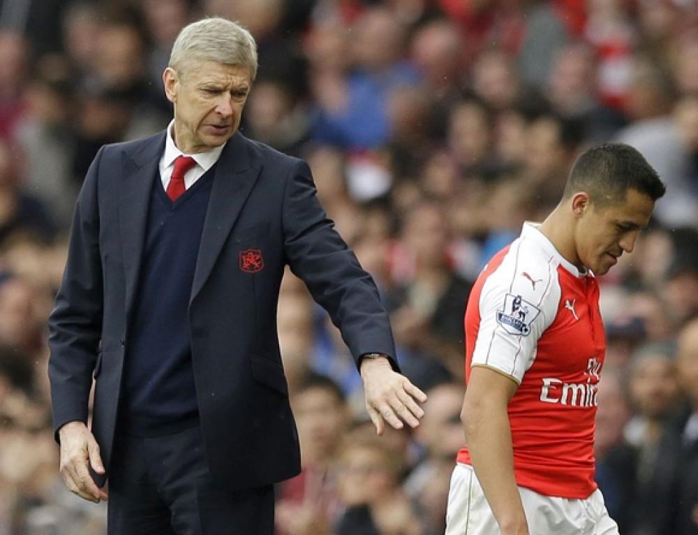 Wenger ostrzega przed nowym trendem transferowym