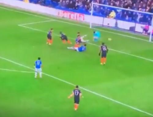 Co wyprawia obrona Chelsea? The Blues tracą kolejnego gola pofatalnym błędzie!