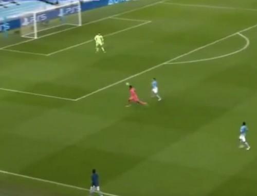 Co robi dziś Varane? Dwie pomyłki Francuza wjednej akcji, kolejny gol sprezentowany City